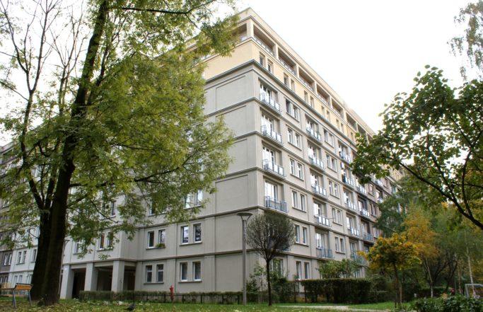 Zespół budynków przyulicy Okrzei wKatowicach